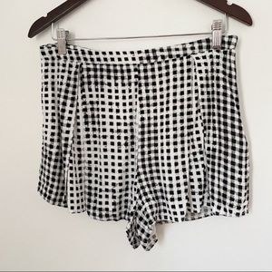 MINKPINK black and white dress pleated zip shorts